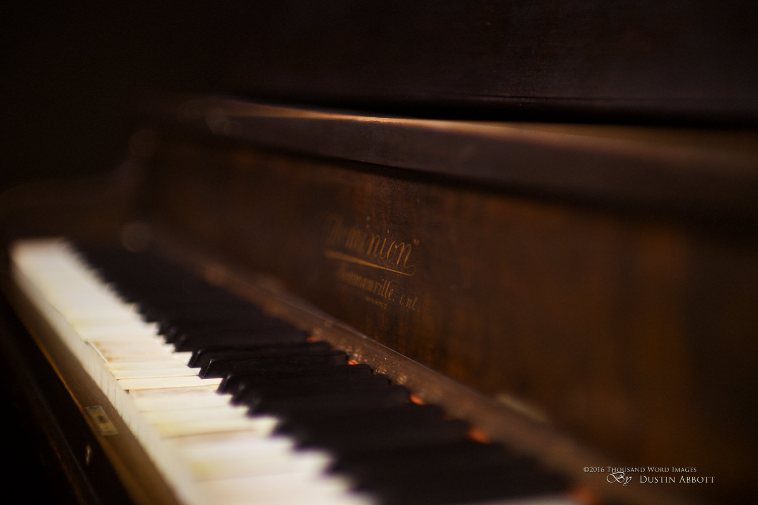 The Piano that Time Forgot (Canon 50mm f/1.0L)