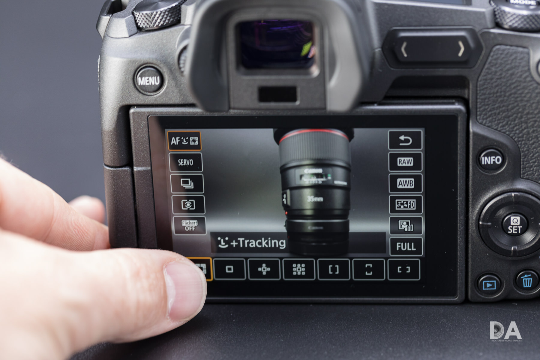 19 Viewfinder and LCD