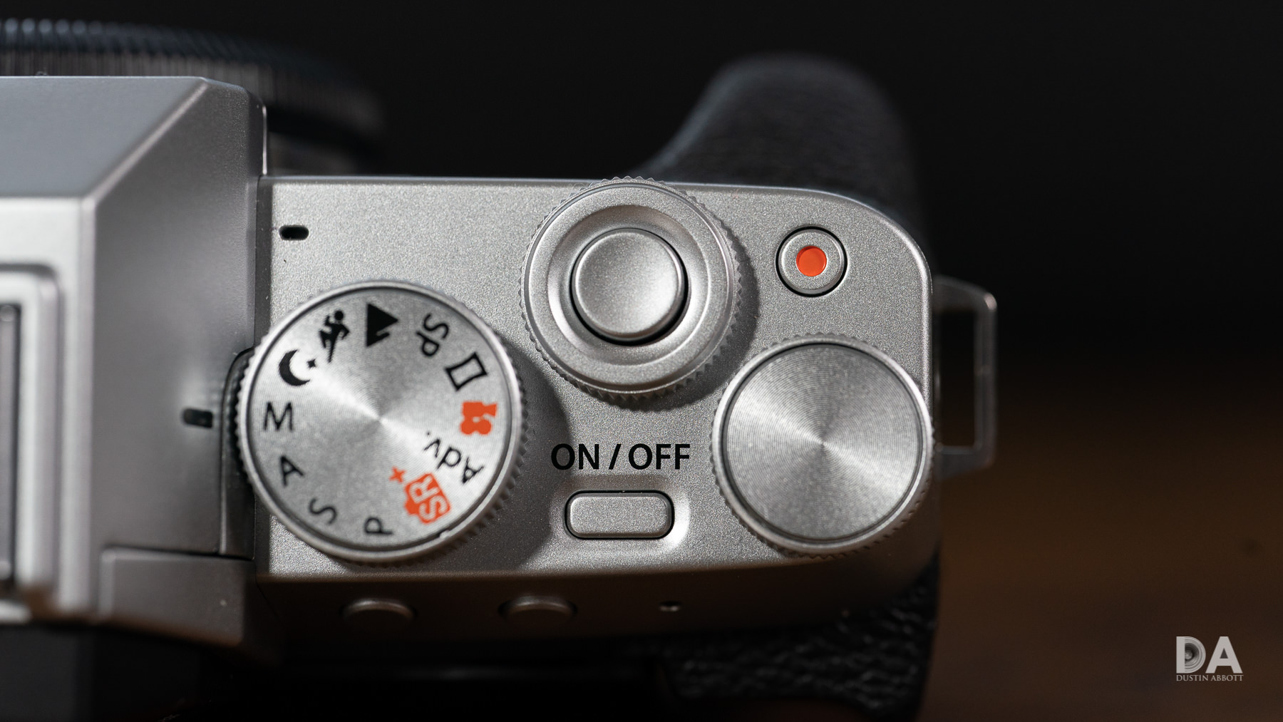 06-Front-Dial