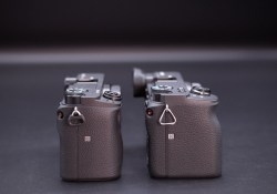 05-Battery-and-Grip-1